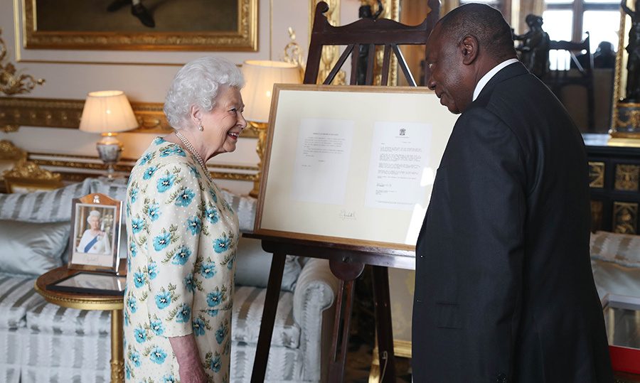 <p>On Apr. 17, Her Majesty welcomed South African President Cyril Ramaphosa into her sitting room to show him letters she and Nelson Mandela exchanged before he died in 2013.</p>