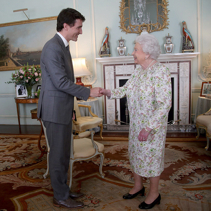<p>Her Majesty and Justin Trudeau showed off their megawatt smiles in Buckingham Palace on April 18. Canada's Prime Minister was in London for Commonwealth week.</p>