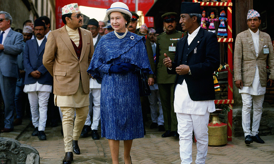 <p>Her Majesty gave us some serious vintage glam during a royal tour in Nepal in 1986.