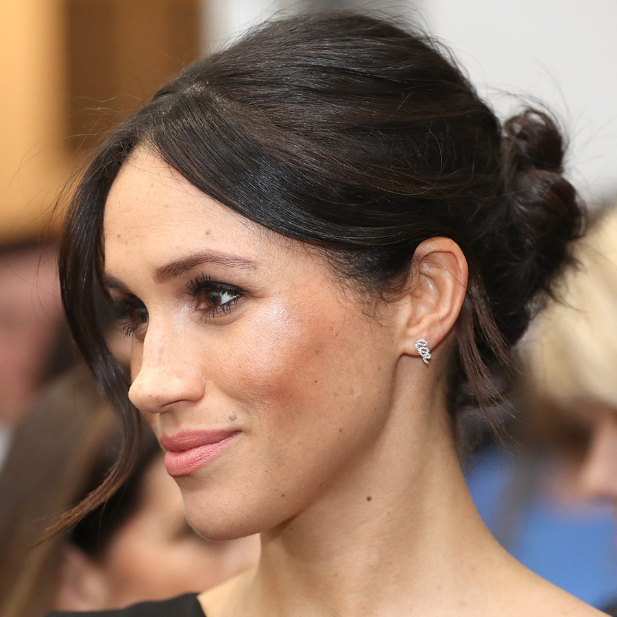 <p>The royal-to-be always chooses to show off her natural beauty, with simple makeup looks, a gorgeous bun and a pair of Birks earrings for the evening.
