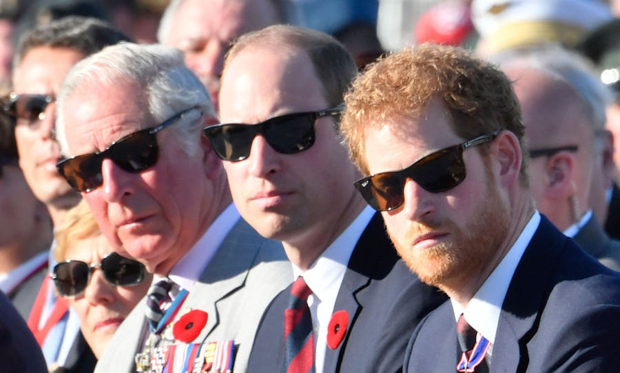 <h2>Royal staple Ray-Bans</h2>