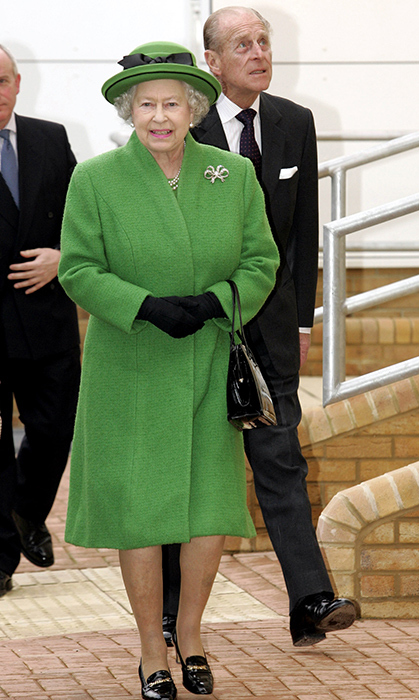 <p>She dazzled in green again for the opening of a Berkshire hospital in 2006.