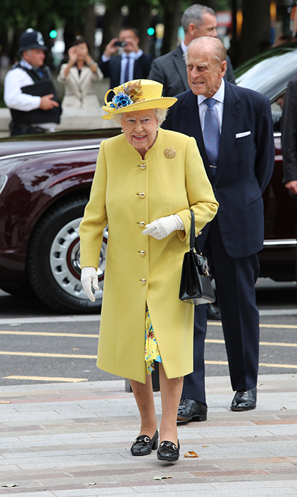 <p>The Queen brought on the colour right after Christmas in 2017!