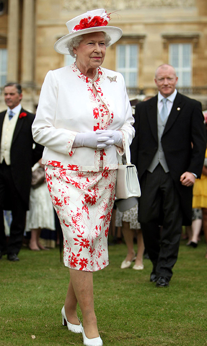 <p>She looked summer ready while at a garden party at Buckingham Palace in 2008.