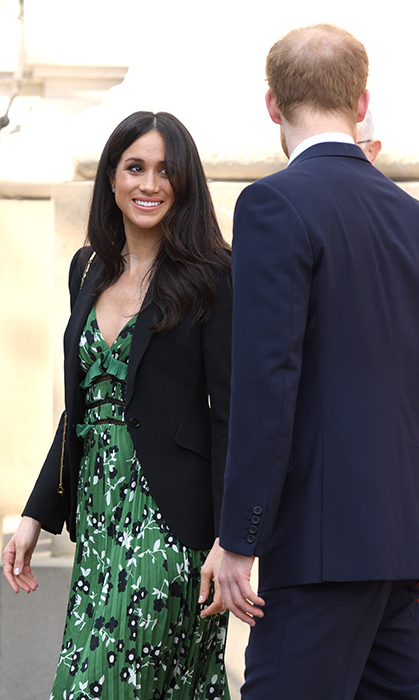 <p>She only has eyes for Harry!