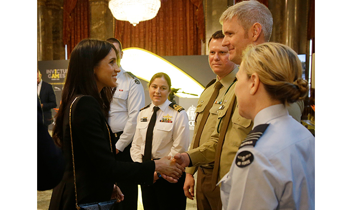 <p>The former actress graciously chatted with members of the Australian Defence Force.