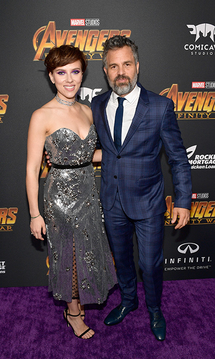 <p>On-screen <em>Avengers</em> lovers Scarlett Johansson and Mark Ruffalo stopped for a glamorous snap on the purple carpet.</p>