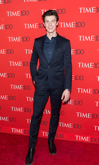 "<p>Shawn Mendes, weeks after releasing his latest single ""In My Blood"" and days after performing at the Queen's 92nd birthday party, posed for photos before taking to the stage to perform his latest track.</p>