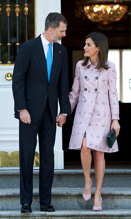 <p>These two only have eyes for each other! King Felipe IV and Queen Letizia, looking dapper as ever, stepped out to receive President of Mexico Enrique Pena Nieto and his wife Angelica Rivera on April 25.</p>