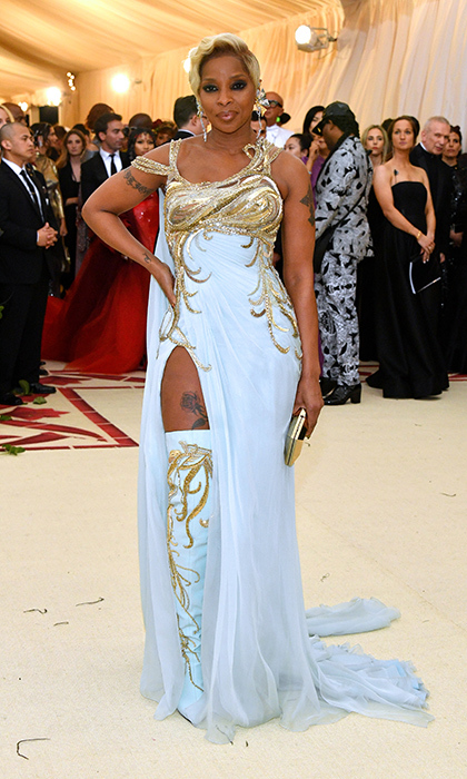 <h2>Mary J. Blige</h2>
