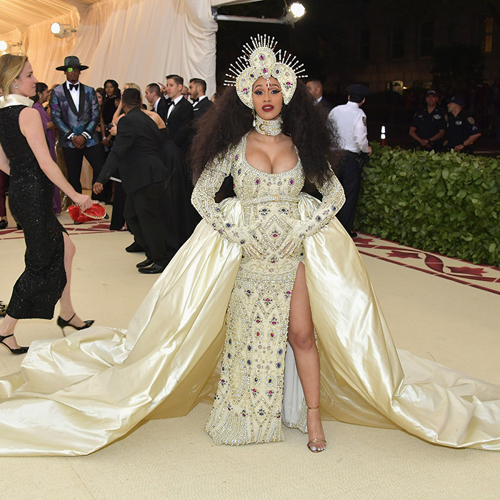 <h2>Cardi B</h2>