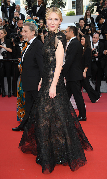 <p>Cate Blanchett stunned in an ornate black lace gown for a screening of <em>Everybody Knows</em>.</p>