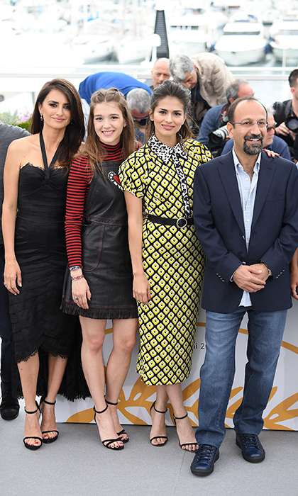 <p>Penelope Cruz, Carla Campra, Sara Salamo and director Asghar Farhadi looked chic as ever for the photocall for <em>Everybody Knows</em>.</p>