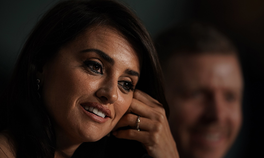 <p>How stunning is Penelope Cruz? The star spoke about her new film <em>Everybody Knows</em> during a Cannes press conference.</p>