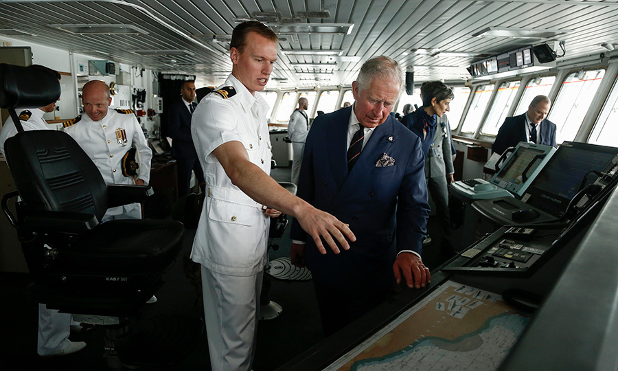 <p>Ahoy, Prince Charles! The Prince of Wales chatted with an officer of the Royal British Navy while visiting the British HMS 'Echo' at the port of Piraeus, near Athens.</p>