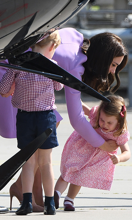 <h2>When Duchess Kate dealt with Princess Charlotte's tantrum</h2>