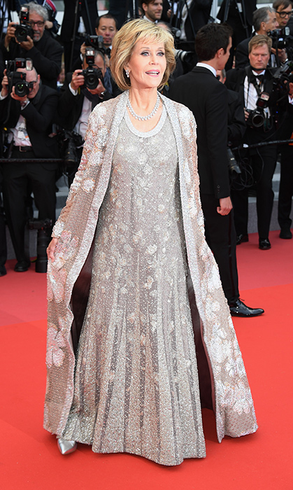 <p>Caped goddess Jane Fonda wowed the crowd in an embellish silver gown! The actress looked totally glam for the premiere of <em>Blackkklansman</em>.</p>