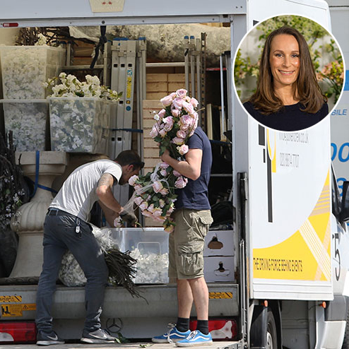 <h2>The wedding flowers are on their way</h2>