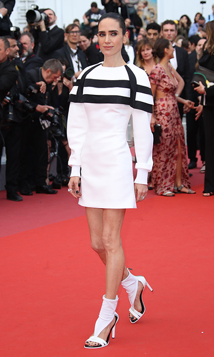 <p>Trust Jennifer Connelly to bring on the cool factor! Her custom Louis Vuitton dress and shoes was giving us major <em>Star Wars</em> Storm Trooper vibes.</p>
