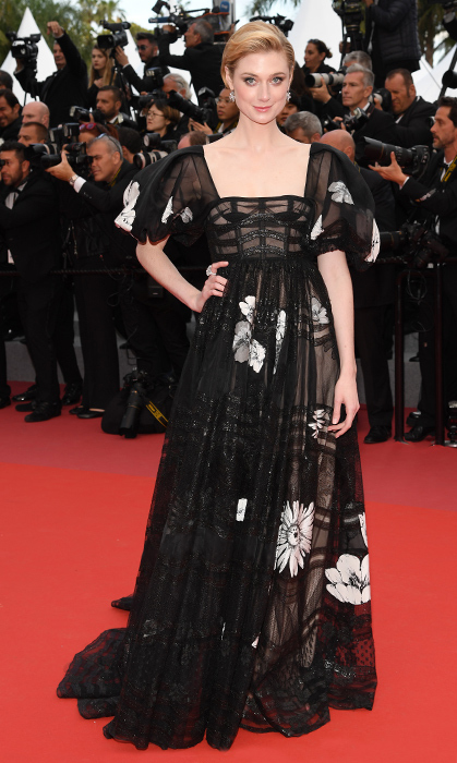 <p>After stunning in a lilac gown by day, French Australian actress Elizabeth Debicki dazzled in this black caged number for the <em>Solo: A Star Wars Story</em> red carpet.</p>