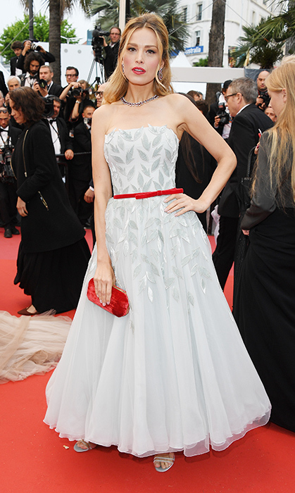 <p>Petra Nemcova gave us some old Hollywood vibes with her red-and-white ensemble.</p>