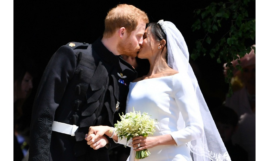 <h2>The Kiss</h2>