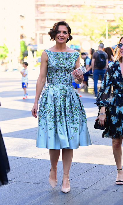 <p>Katie Holmes looked spring ready while out and about in Manhattan on May 21.</p>