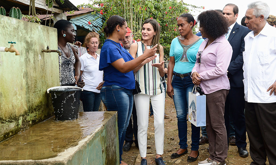 <p>The Spanish royal stopped by a Spanish water distribution project in the rural community of Monte Plata on May 21, near of Santo Domingo.</p>