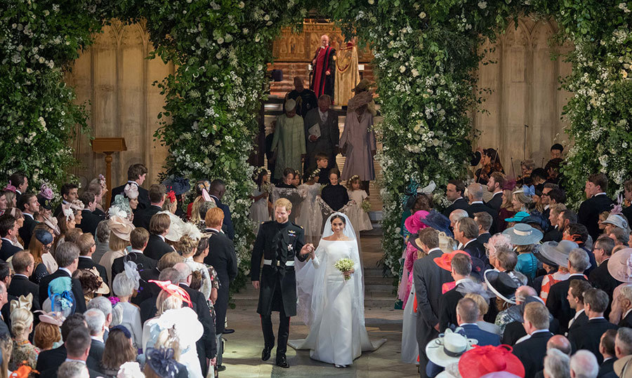<p>Just after being pronounced husband and wife, the new Duke and Duchess of Sussex walked back down the aisle of St. George's Chapel.</p>