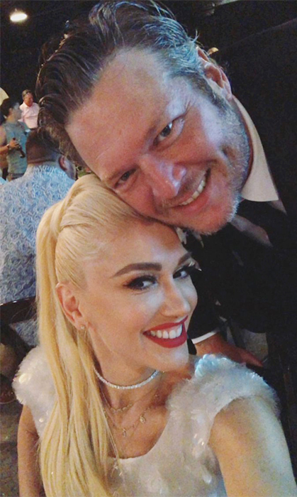 Date night! How cute do Gwen Stefanie and Blake Shelton look? They sure clean up well.