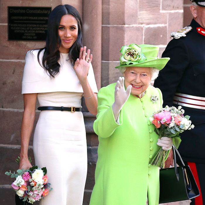 A royal wave!