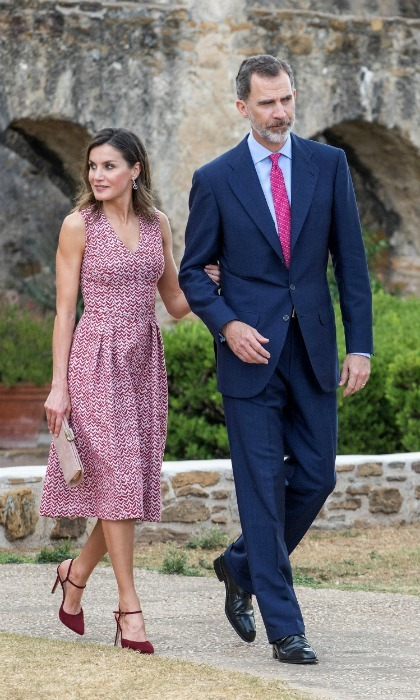 Queen Letizia and King Felipe VI were then shown around the historic church site Mission San José.