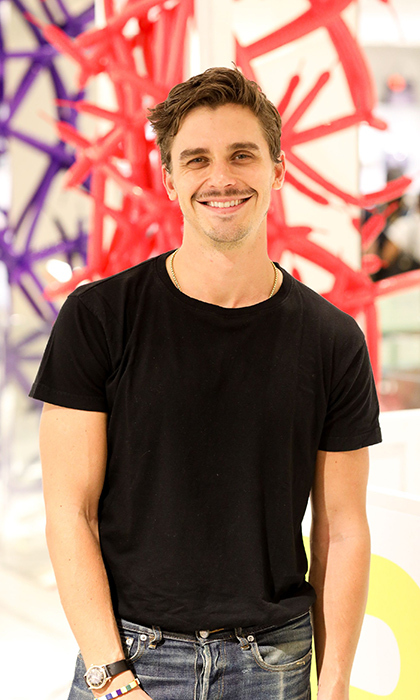 <h2>ANTONI POROWSKI</h2>