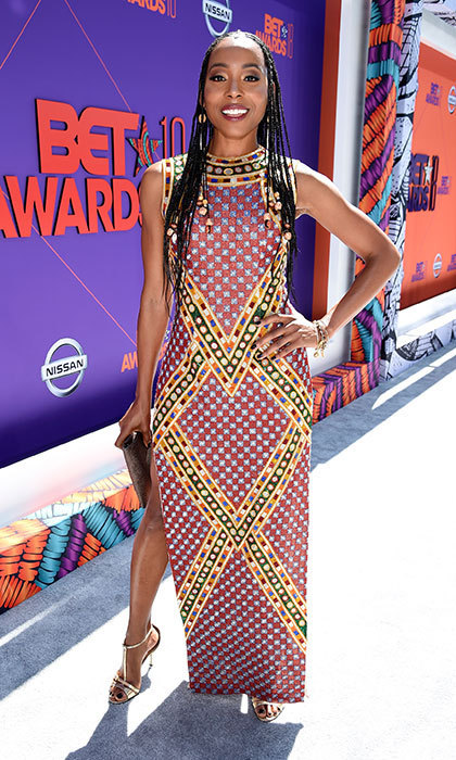 Erica Ash was a red carpet standout in her beautifully embroidered gown and braids.