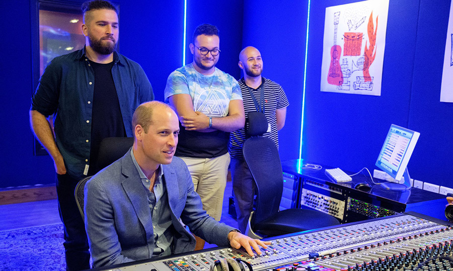While on his Middle Eastern royal tour, Prince William stopped by AlQuds College to try his hand at their new mixing machines.
