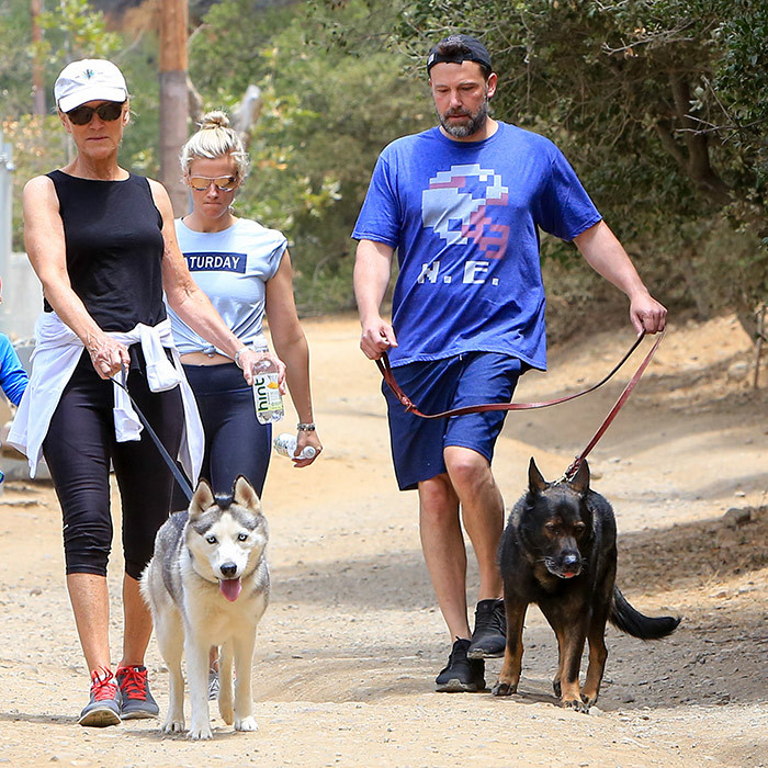 Lindsay Shookus and Ben Affleck took their pooches for a walk on June 24 Los Angeles.