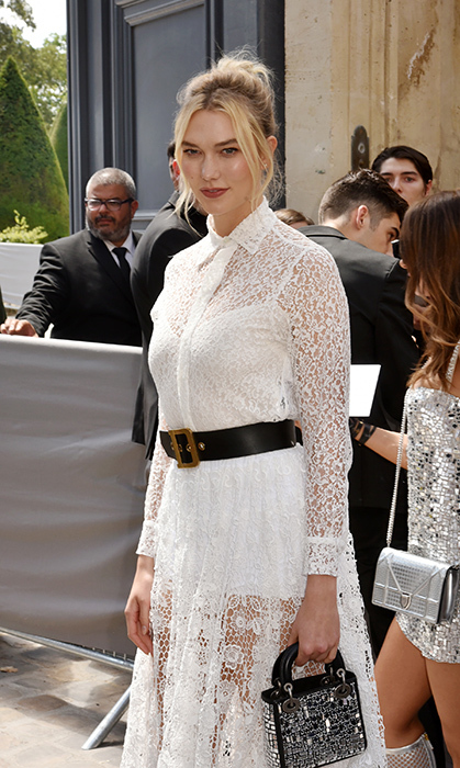 Karli Kloss was the picture of summer in a beautiful lace gown by Dior.