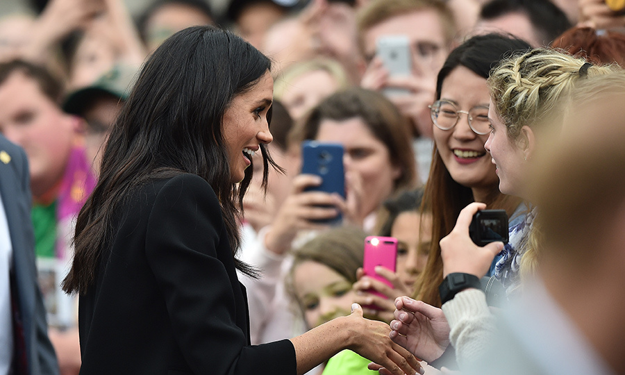 The duchess showed off her natural charisma while greeting her adoring fans.