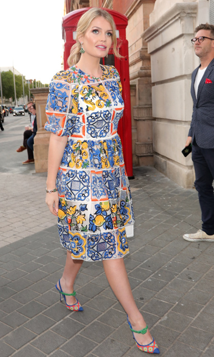 She slipped into Dolce & Gabbana's striking Majolica print at the V&A Summer Party in London on June 20, 2018.