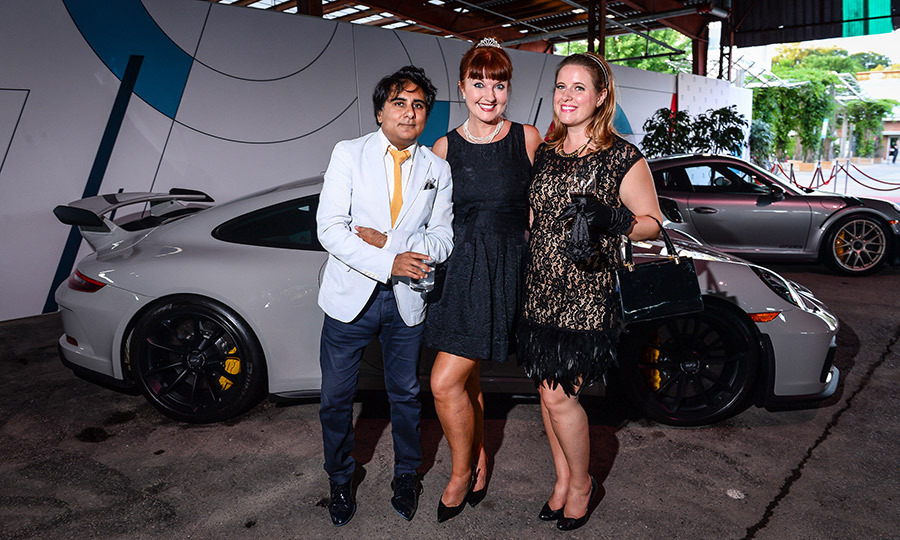 <h2>Porsche</h2>