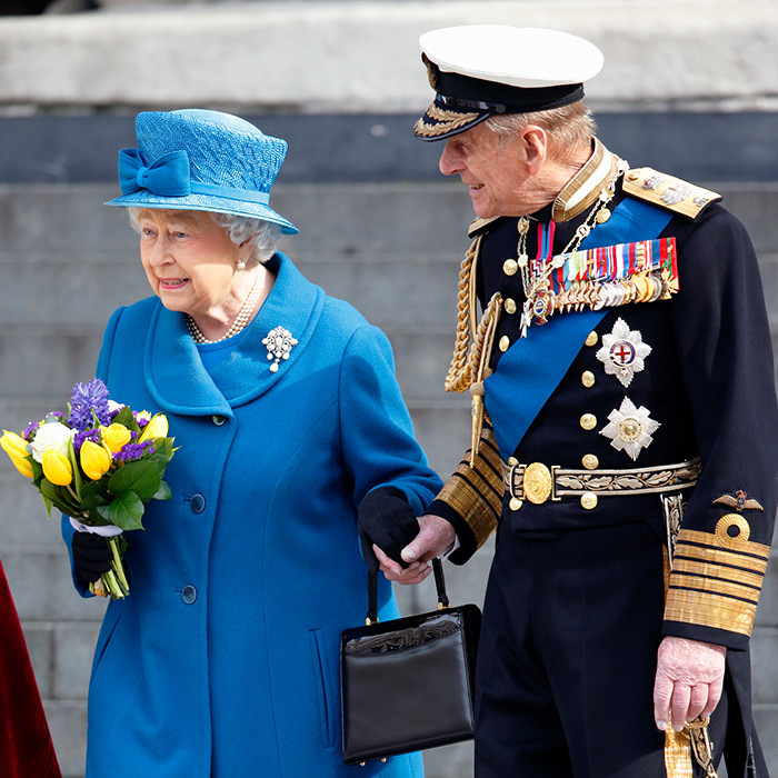 Even more rare than public displays by Prince William and Kate are those involving the Queen and Prince Philip! Back in 2015, the couple of more than 70 years held hands while the Duke of Edinburgh gazed lovingly at his wife. 