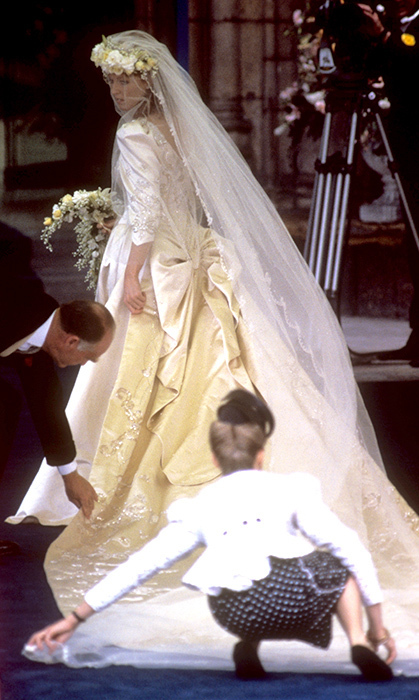 Sarah Ferguson S Wedding Dress Was Filled With Meaningful