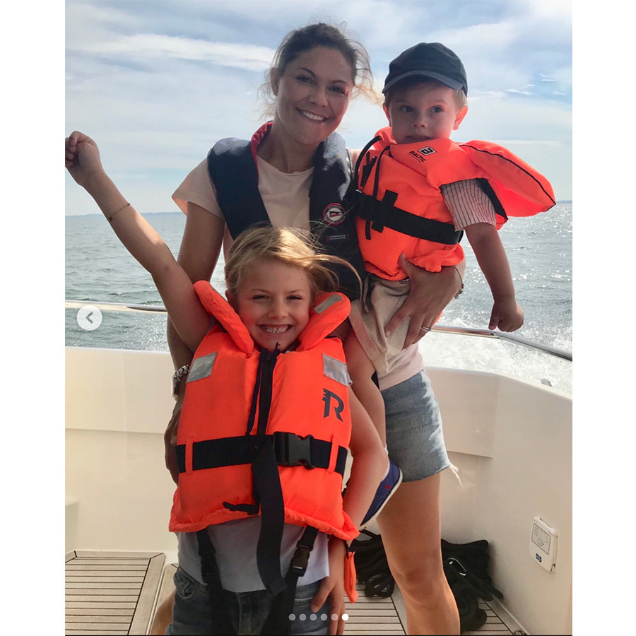 Charismatic Princess Estelle gave her best pose alongside her mom and brother while on a boat ride. 