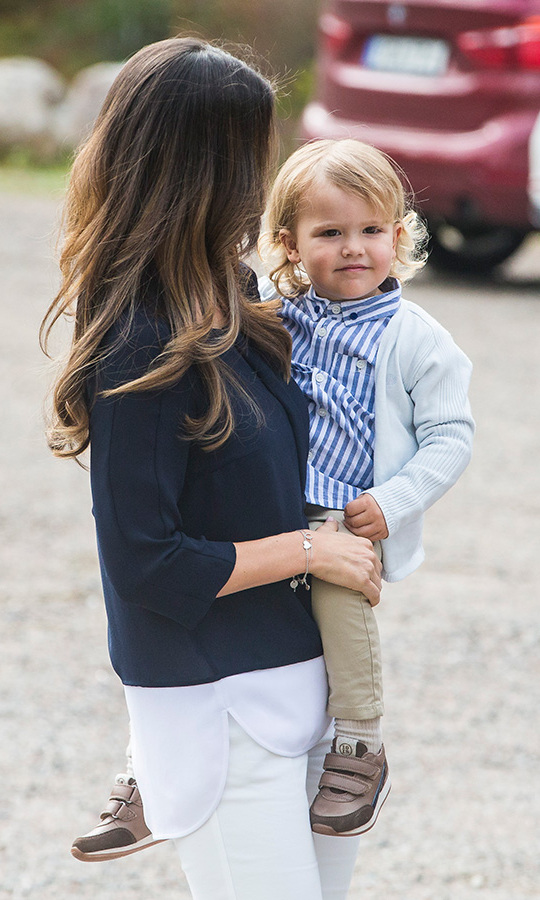 Following in the footsteps of his cousins Princess Estelle and Princess Leonore, who also made their ​official debuts at the same tender age, Prince Alexander had his parents in tow to help ease any nerves. 