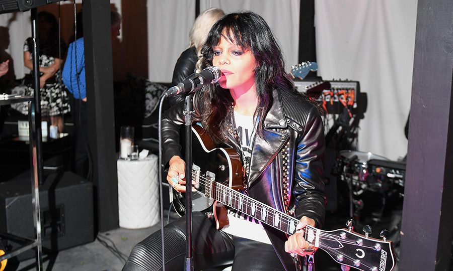 Fefe Dobson