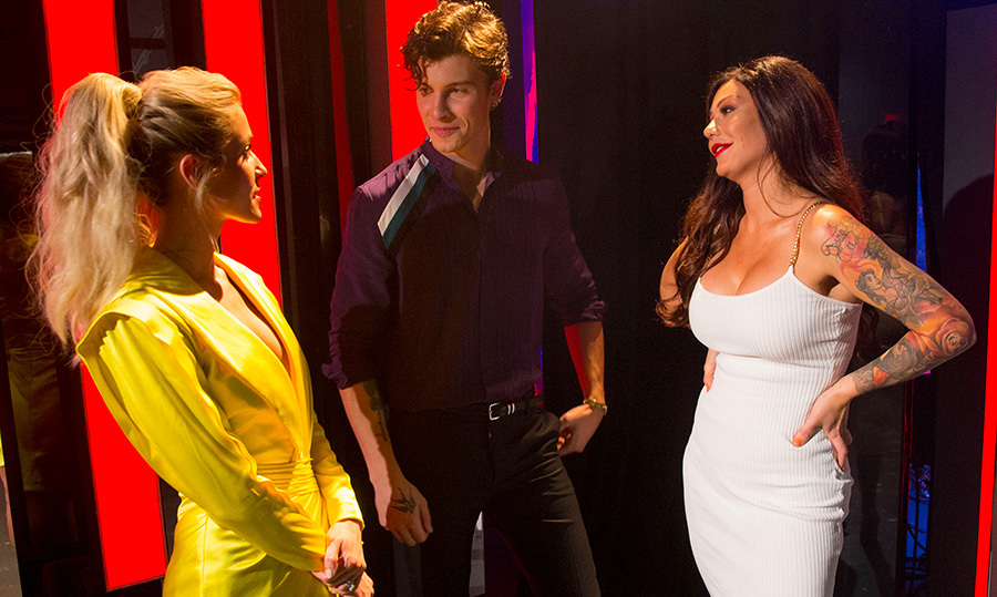 Even they looked shocked to be meeting each other! Reality star Kristin Cavallari, Canadian crooner Shawn Mendes and <em>Jersey Shore</em> star Jennifer Farley (JWoww) chatted backstage.