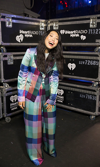A quick outfit change found host Awkwafina, who starred in the latest series instalment <em>Ocean's 8</em>, in an amazing checkered pantsuit.