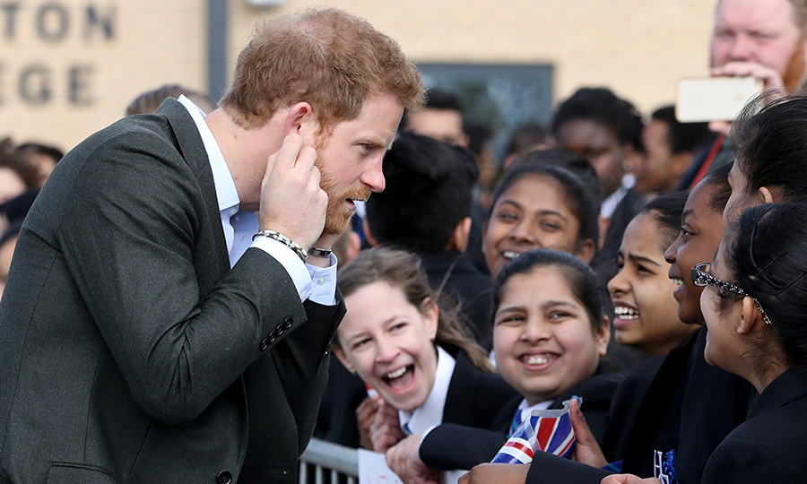 While paying a visit to Hamilton College in Leicester in 2017, Prince Harry showed off his goofy side.