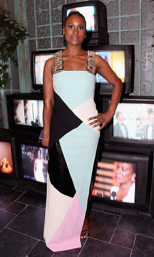 Issa Rae did colourblocking to perfection in a gorgeous column dress at the Samsung Galaxy fete.