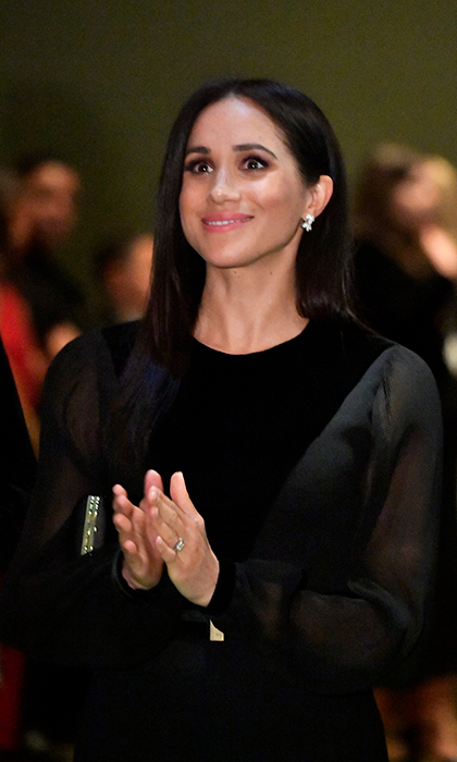 "The duchess was clearly impressed! While perusing the art, she described it as ""spectacular.""